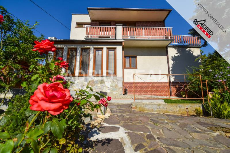 MEET YOUR NEW HOME WITH 50 M2 TERRACE IN NITRA - ZOBOR FOR SALE