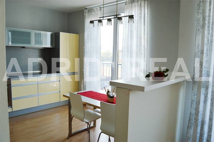 SUNNY THREE-ROOM APARTMENT IN THE NEW BUILDING BORIA